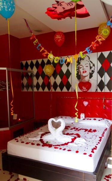 Decoraciones motel jard n del amor motel en medellin for Decoracion de piezas